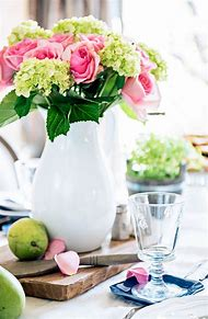 Dining Room Table Spring Centerpiece