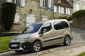 Peugeot Partner Tepee Versions : the peugeot partner tepee lets the whole family enjoy the freedom of the open road ~ Medecine-chirurgie-esthetiques.com Avis de Voitures
