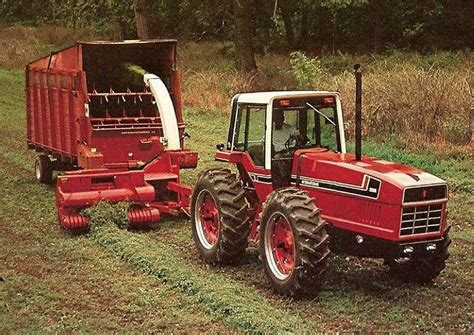 Industrial History: IH: 2+2 Tractor (Anteater)