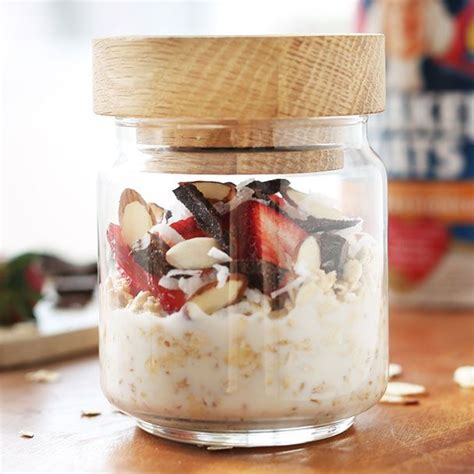 Whoever came up with the idea for overnight oats was honestly a genius. Raspberry Coconut Overnight Oats | Recipe | Overnight oats recipe, Oats recipes, Overnight oats