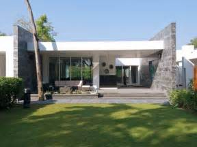 One Story Homes Single Story Modern House Design Plans Single Story Contemporary House Design Of Bungalow