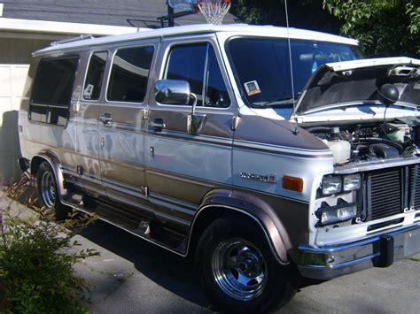 how to learn about cars 1992 gmc vandura 3500 interior lighting gm classic whips 1992 gmc vandura 1500 specs photos modification info at cardomain