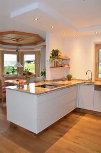 Arbeitsplatte Küche Eiche : k che in eiche altholz mit spiegelglanz fronten grifflos ~ A.2002-acura-tl-radio.info Haus und Dekorationen