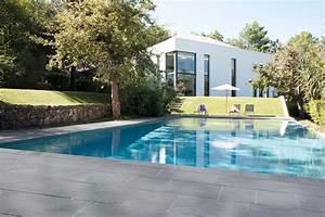 quel revetement de sol choisir pour ma terrasse With amenagement tour de piscine 10 terrasse pavee ou carrelage nos conseils