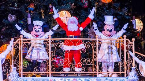 disneyland paris christmas season promises mickey magic