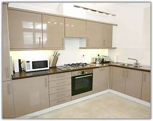 Painted beige kitchen cabinets home design ideas for Kitchen cabinets lowes with papier peint papillons