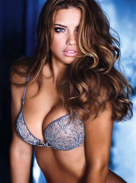 Adriana Lima Model Of Victoria S Secret Sexy Summer Dress Get News Information