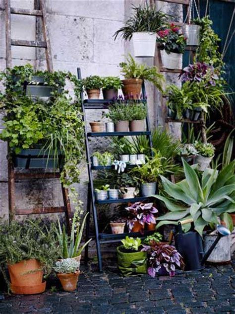pots et jardini 232 res suspendues pour fleurir un balcon