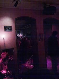 Bar Mit Tanzfläche Berlin : franken rockmusik kneipe nicht f r touristen ~ Markanthonyermac.com Haus und Dekorationen