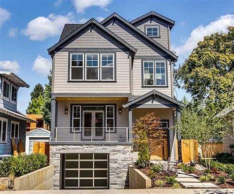 plan ms   uphill skinny lot   house