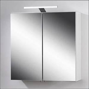 Badezimmer Spiegelschrank Led : badezimmer spiegelschrank mit led beleuchtung download page beste wohnideen galerie ~ Indierocktalk.com Haus und Dekorationen