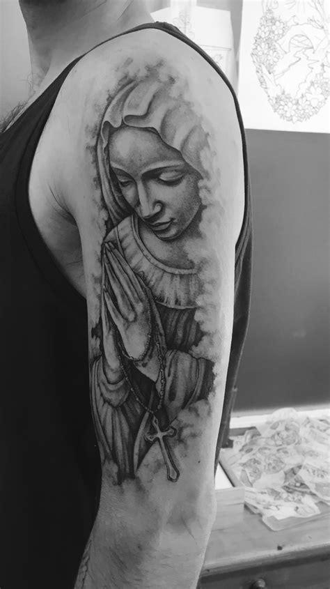 Virgin Mary Praying hands tattoo | Tatuagem religiosa no
