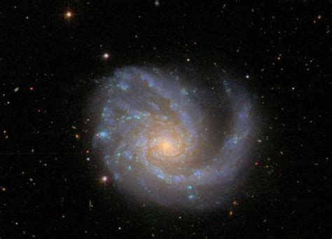 Meet ngc 2608, a barred spiral galaxy about 93 million light years away, in the constellation cancer. Galaxia Espiral Barrada 2608 : La galaxia espiral barrada ...