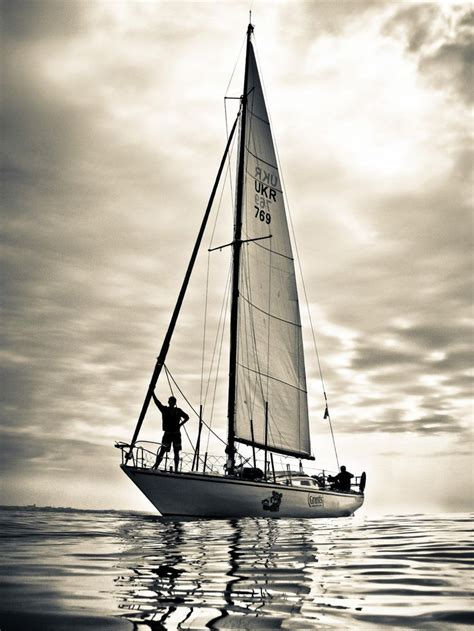Sailboat Black And White by Best 20 Sailboats Ideas On Pinterest
