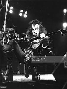 16 best Young Gene Simmons images on Pinterest | Gene ...
