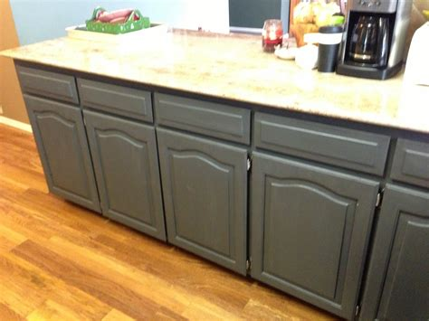 how do i refinish kitchen cabinets wilker do 39 s using chalk paint to refinish kitchen cabinets
