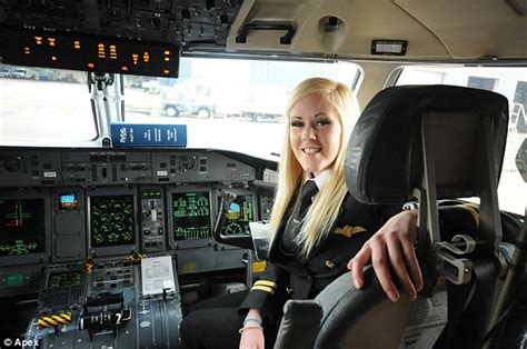 first woman to form australian women s pilot association youngest female british pilot