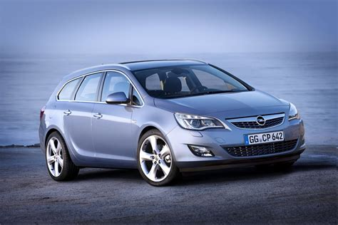 Opel Astra Sport by New Opel Astra Sports Tourer Unveiled Should Buick Bring