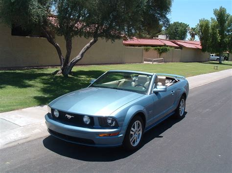 gt convertible  sale  mustang source ford