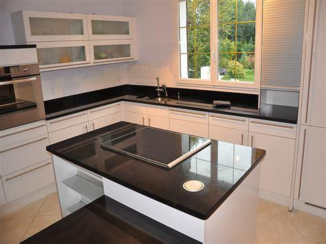 mitigeur cuisine avec douchette franke granits déco plan de travail en granit noir