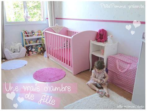 chambre bébé violet chambre bb violet stickers chambre bebe mixte couleur