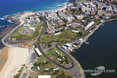 date  layout locked   newcastle supercars race
