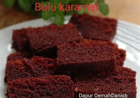 Cake enak dengan tekstur yang lembut dan empuk sungguh menggoda. Resep Bolu karamel simple anti gagal oleh Dapur OemahDanish - Cookpad