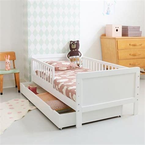 chambre bébé 2 ans 17 parasta ideaa lit enfant 2 ans pinterestissä jouet 2