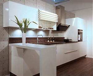 Küchenzeile 2 M : h cker musterk che k chenzeile mit designglas front in wei ca 4 25 m ausstellungsk che in ~ Markanthonyermac.com Haus und Dekorationen
