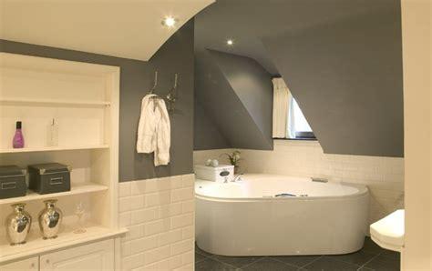 les meilleures couleurs pour la salle de bains colora be