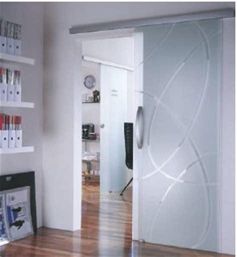 porte interieure grande largeur ferrure de porte coulissante verre dorma agile dorma