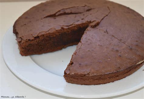 moule de cuisine moelleux au chocolat de cyril lignac maman ça déborde