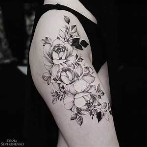 Rosen Tattoo Schulter : die besten 25 rosen tattoo schulter ideen ~ Frokenaadalensverden.com Haus und Dekorationen
