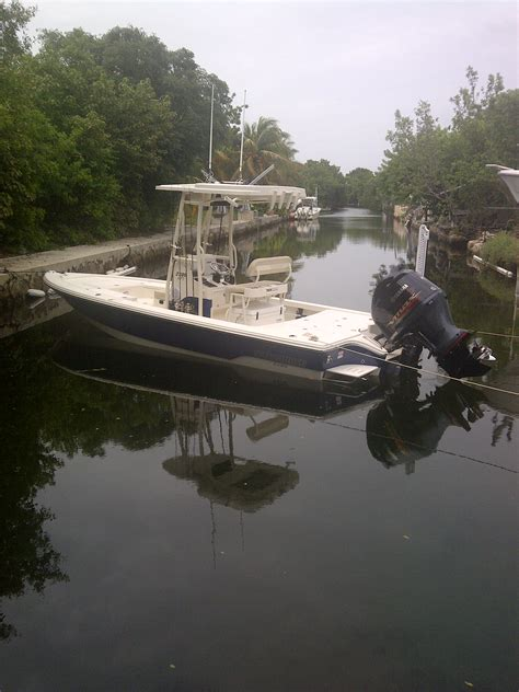 Pathfinder Boats Problems by Everglades 243cc Vs Contender 25 Bay Vs Pathfinder 2600