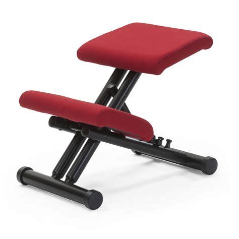 si鑒es assis debout chaise ergonomique repose genoux 28 images sige ergonomique accent wood assis genoux chaise repose genoux ikea chaise id 233 es de d 233