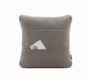 Alain berteau kangaroo pillow for Kangaroo outdoor furniture covers