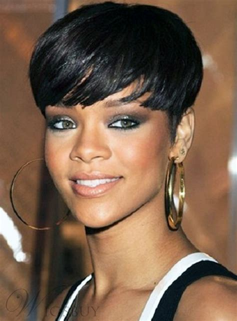 rihanna smart  delicate short straight bob hairstyle