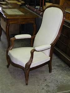 Fauteuil Voltaire Moderne : les fauteuils ont des accoudoirs ou accotoirs atelier de l 39 b niste c cognard eure ~ Teatrodelosmanantiales.com Idées de Décoration