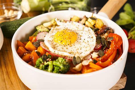 cuisiner du quinoa recette du bol de quinoa plein d 39 énergie hervecuisine com