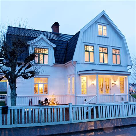 Rustic Scandinavian House In Black And White  Digsdigs