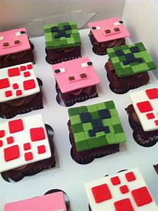 Minecraft cupcakes. Could try to use candy like air heads ...