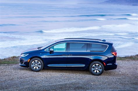 Chrysler Pacifica by 2017 Chrysler Pacifica Hybrid Epa At 84 Mpge Motor