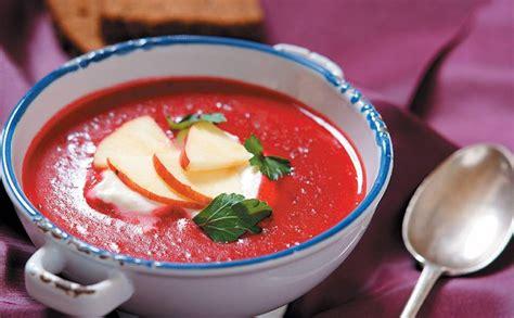 Biešu zupa ar ābolu — Santa