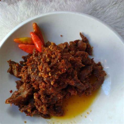 Bagi saya sendiri menemukan komposisi pas didalam sebuah cobek. Resep Daging Goreng Sambal Terasi dari Chef Ni Made Kembariyani | Yummy App