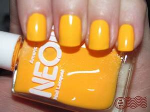 The Daily Nail Reviews American Apparel NEON
