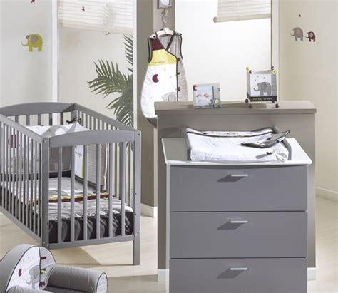 chambre mixte bébé chambre bébé garçon grise et moderne photo 10 10 une
