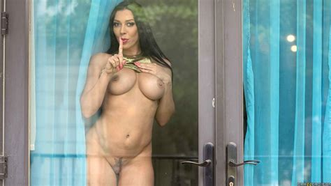 Naked Housewife Seduces A Neighbor Into Fucking Her While
