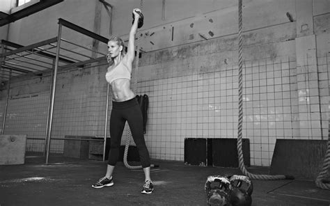 workout training kettlebell crossfit weight female workouts athlete woman loss lifting dumbbell working tabata fat exercises exercise kettle gym killer