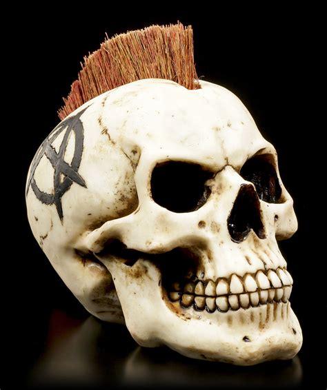 bilder totenköpfen totenkopf mit irokesenschnitt anarchist www figuren shop de