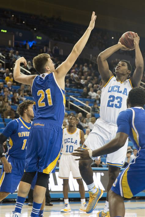Ucla Men's Basketball's Struggles Snowball In 7139 Loss